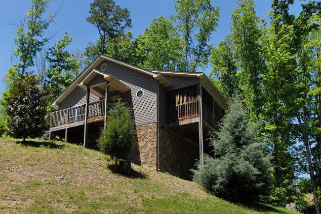 Convenient Two Bedroom Pigeon Forge Cabin Rental