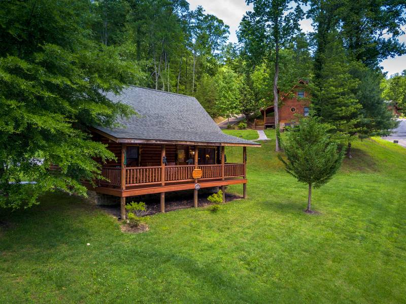 Smoky mountain ridge a smoky getaway two bedroom cabin for Smoky mountain ridge cabins