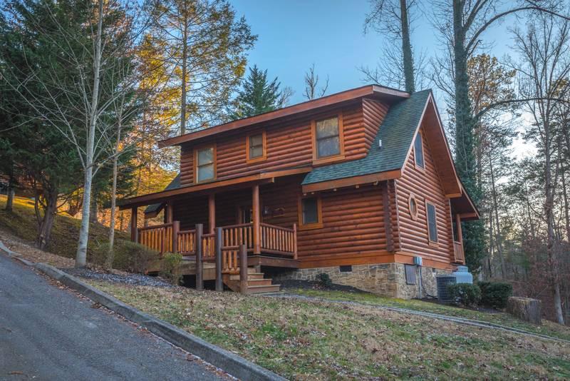 Smoky mountain ridge 2 bedroom log cabin rental for Smoky mountain ridge cabins