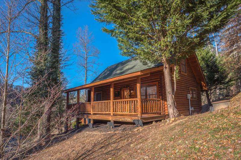 Smoky Mountain Ridge 2 Bedroom Log Cabin Rental