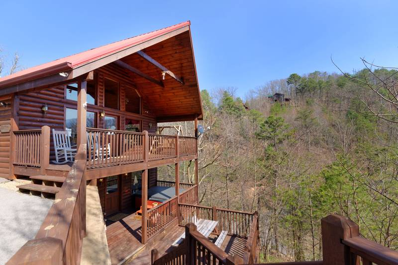 Pigeon Forge Honeymoon One Bedroom Cabin Rental  Tennessee. A Cut Above   1 Bedroom Cabin Rental   Hideaway Hills Estates