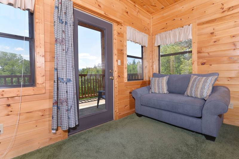 Pigeon Forge Cabin with Additional Sleeping in both Lower Level Bedrooms