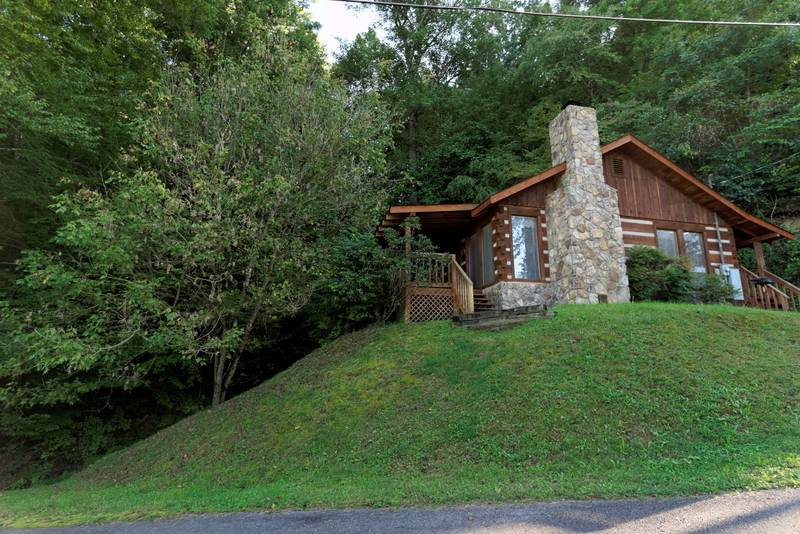Pigeon Forge Two Bedroom Cabin Rental Hot Tub Internet Arcade Game
