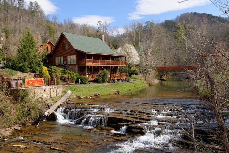blog smokey secluded mountain a bonuses on cabins in the mountains cabin at smoky staying gatlinburg of unexpected river
