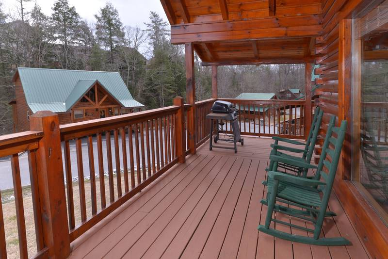Black Berry Ridge Cabin  One Bedroom Cabin Rental Outdoor Seating Area