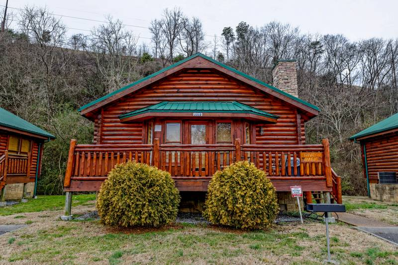 Pigeon Forge Honeymoon Cabin