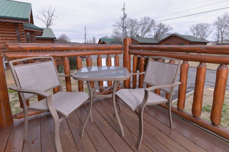 Tennessee Little Pigeon River Honeymoon Cabin Rental Outdoor Seating Area
