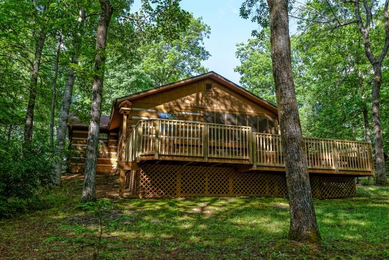 Enchanted Forest Pine Haven 2 Bedroom Log Cabin Rental