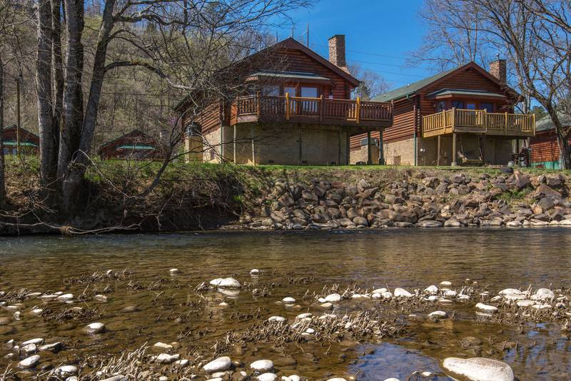 ... Pigeon Forge Two Bedroom Cabin Rental On The Little Pigeon River