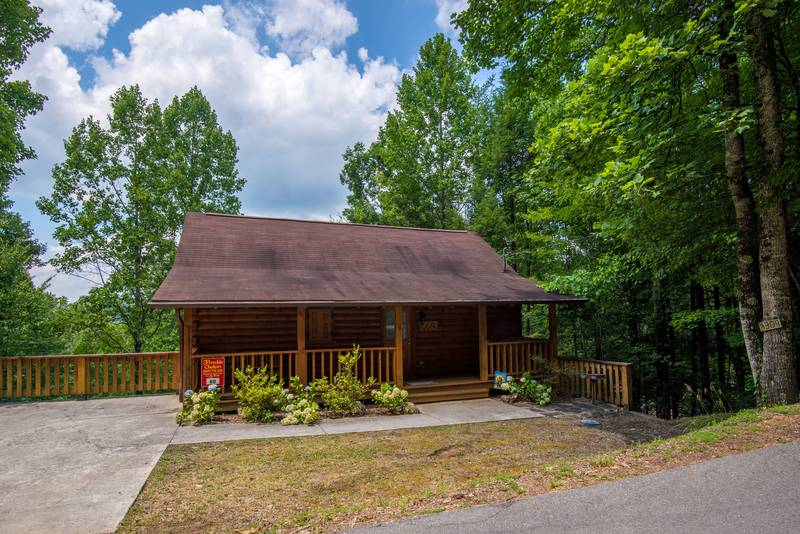 Pigeon Forge Secluded One Bedroom Cabin Rental. Fireside Chalet and Cabin Rentals Pigeon Forge Tennessee Vacation