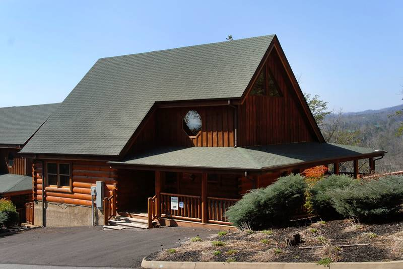 Bear Creek Crossing 329 · Two Bedroom Log Cabin Ina Resort With Indoor And  Outdoor Swimming Pool Access And A Putt