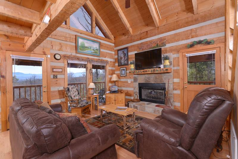 Buck Naked Luxury 1 Bedroom Plus Loft Cabin Rental Bluff