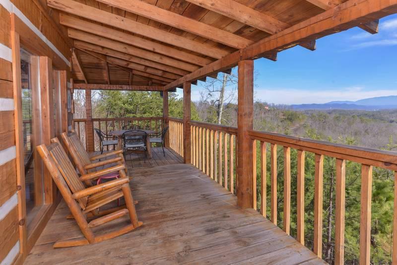 Buck Naked Luxury 1 Bedroom Plus Loft Cabin Rental Bluff