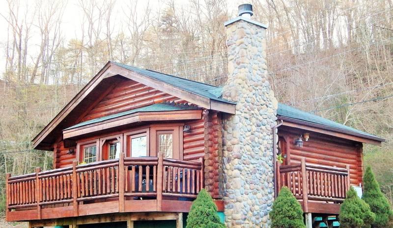 River Port 1 Bedroom Log Cabin Rental On The Little Pigeon