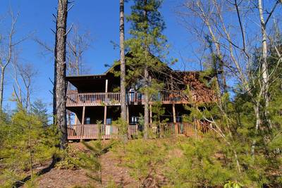 Pigeon Forge-Dollywood Chalet Rental-Wooded Scenery