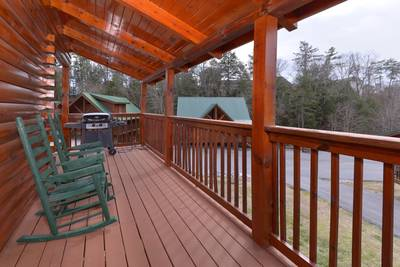 Tennessee  One Bedroom Cabin Rental Outdoor Seating Area
