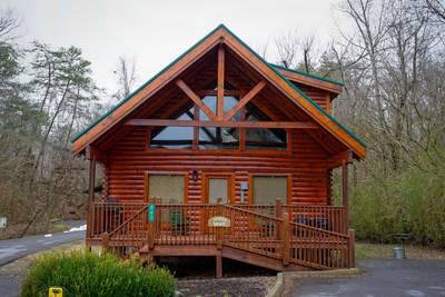 Tennessee Vacation Two Bedroom Cabin Rental