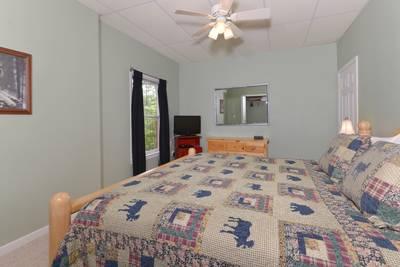 Pigeon Forge Three Bedroom Cabin Rental