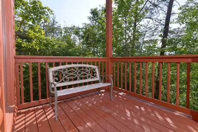 Pigeon Forge Chalet Rental Outdoor Seating Area